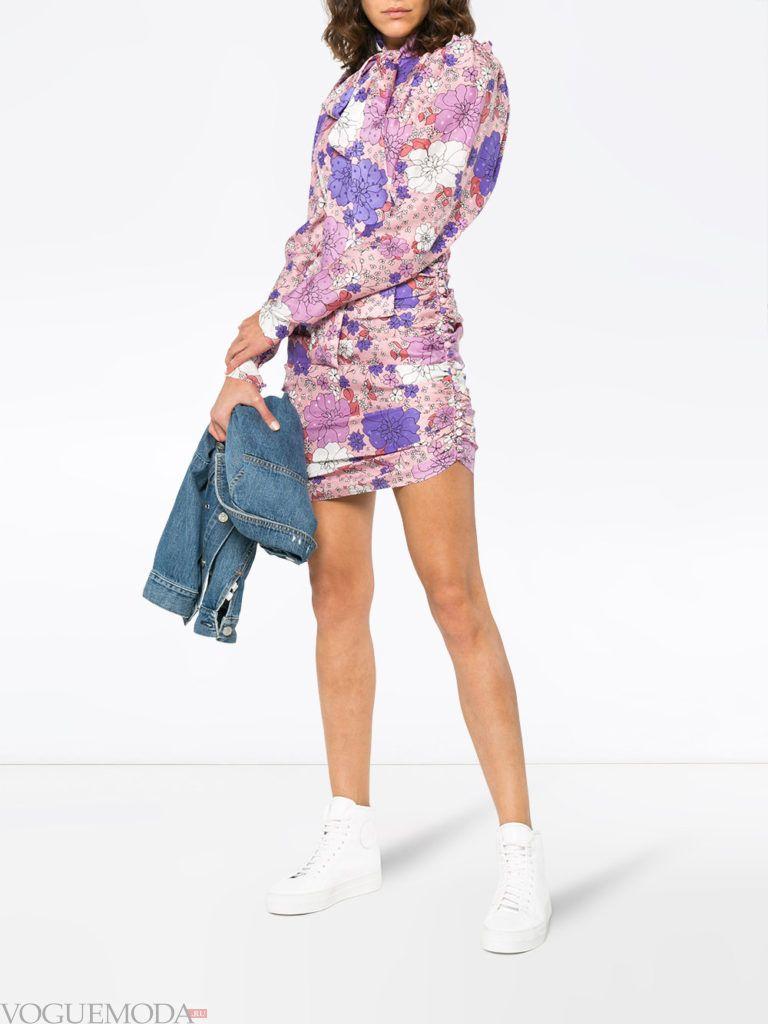 мини платье со сборкой и принтом