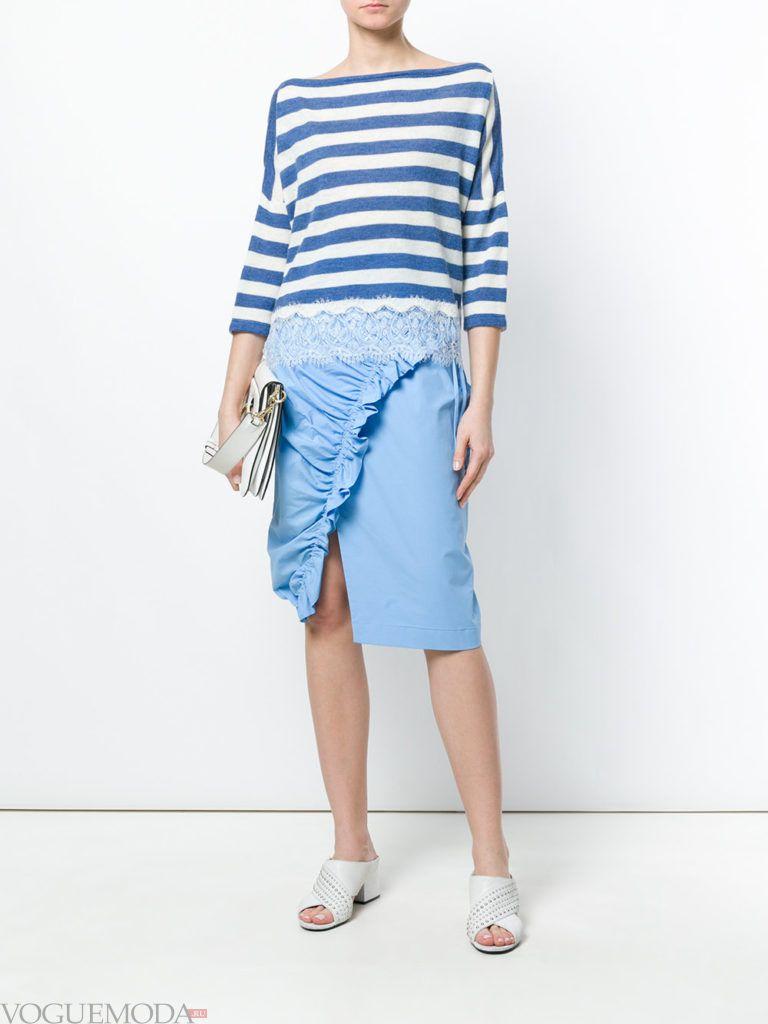 асимметричная юбка со сборкой и свитер