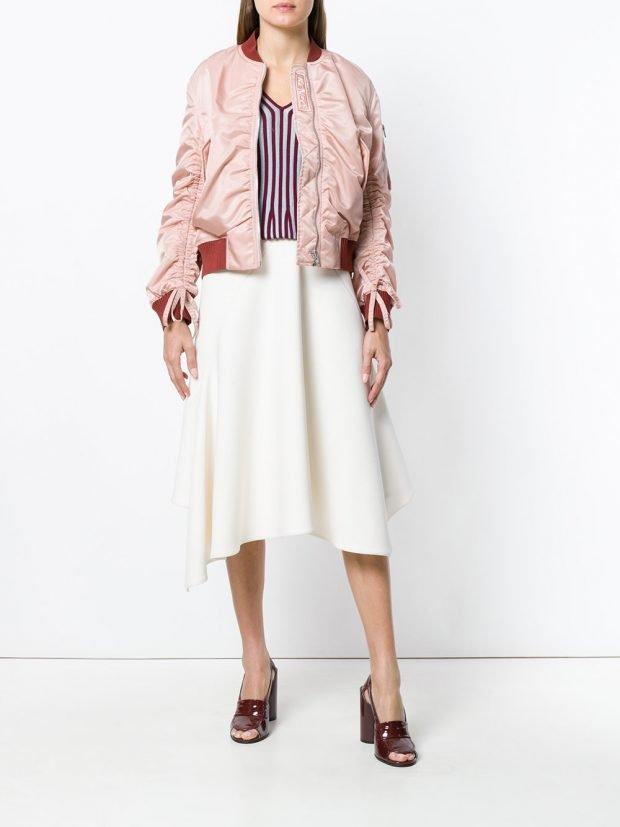 бомбер со сборкой и асимметричная юбка