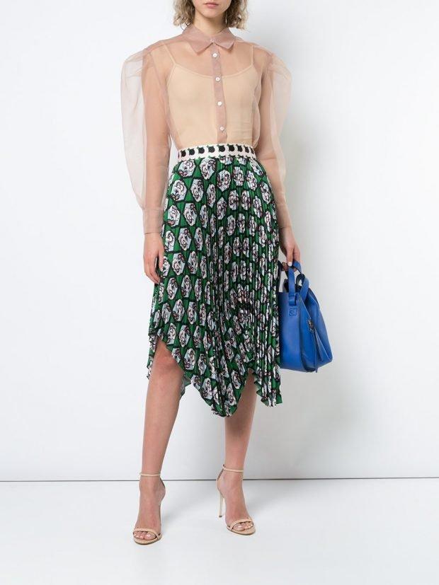 асимметричная юбка плиссе и прозрачная блуза весна