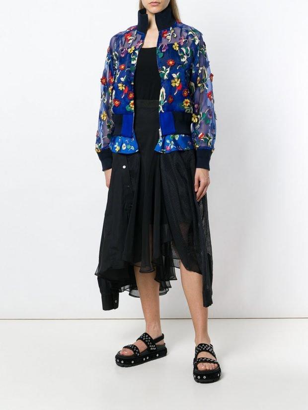 прозрачный бомбер и асимметричная юбка лето