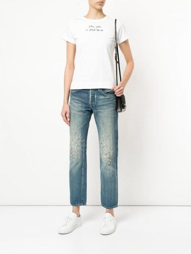 укороченные джинсы и футболка лето