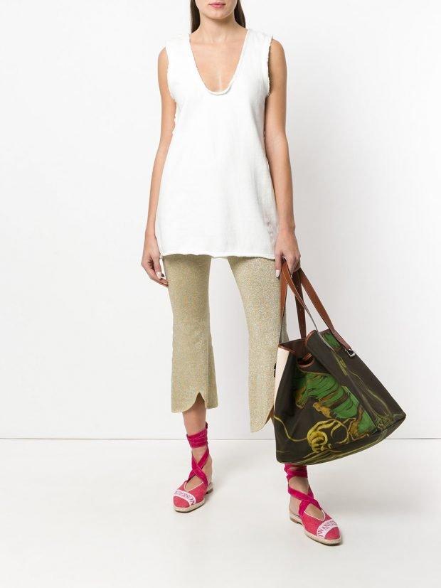 укороченные брюки и белая туника лето