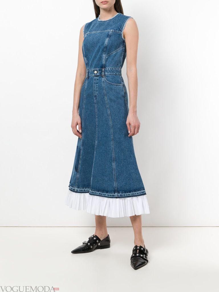 джинсовое платье миди с оборкой лето