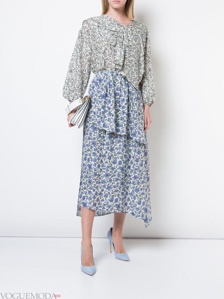 юбка и блузка с цветочным принтом