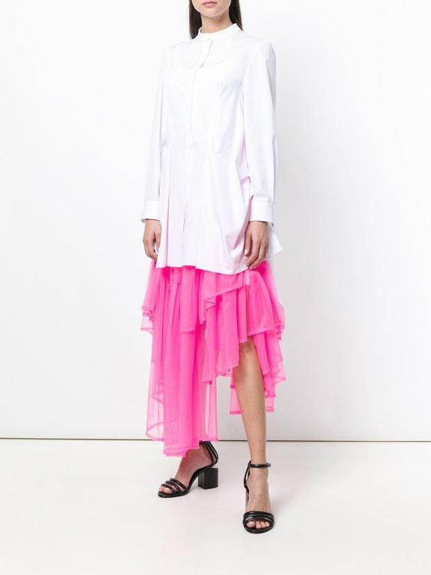 розовая многослойная юбка и белая блузка