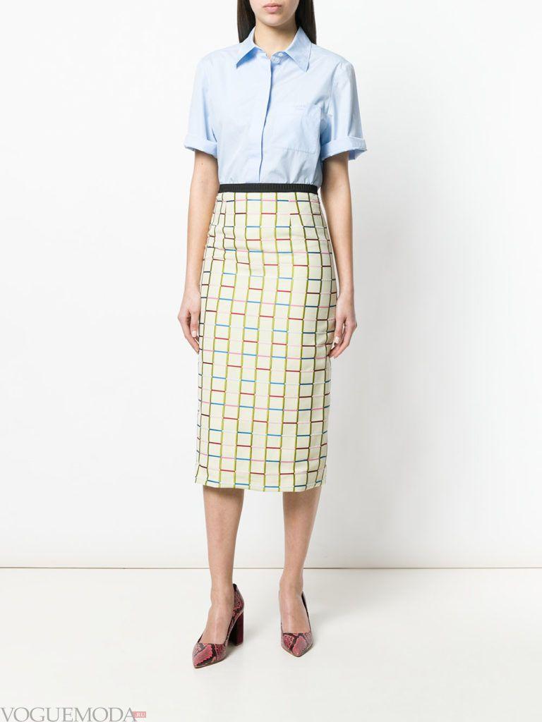 юбка карандаш с принтом и блузка лето
