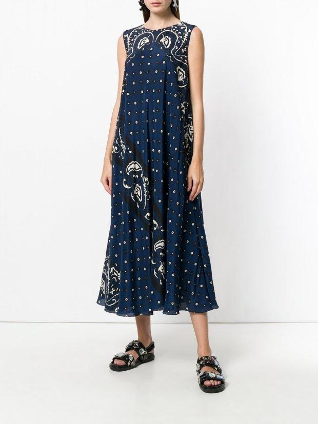 синее платье миди с принтом