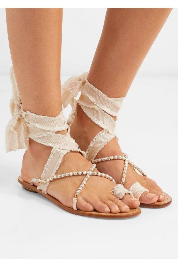 сандалии на завязках с декором