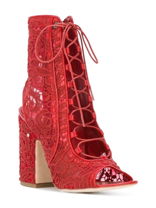 красные кружевные ботильоны со шнуровкой