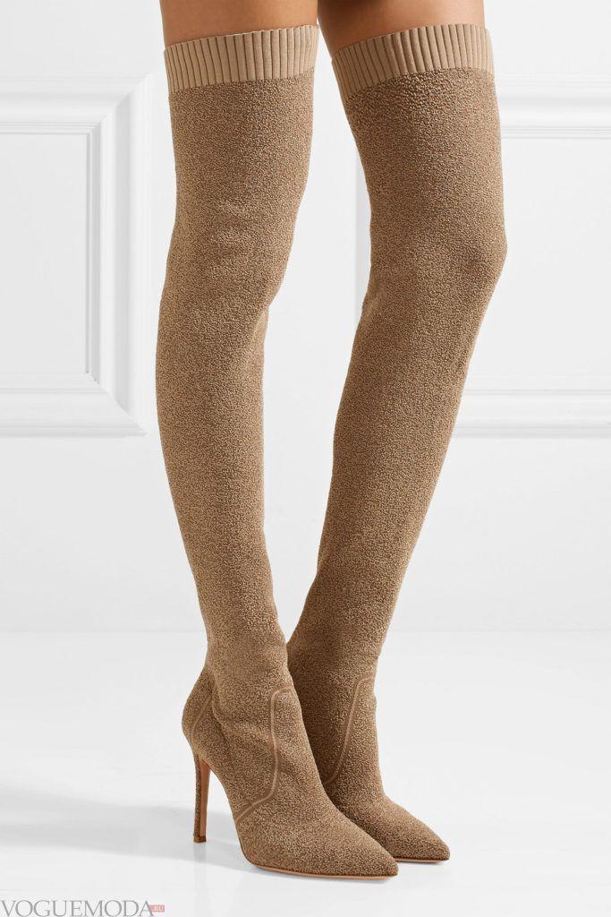 коричневые ботфорты с острым носком