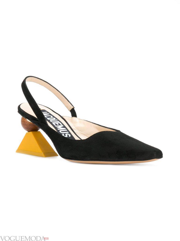 черные туфли с фигурным каблуком