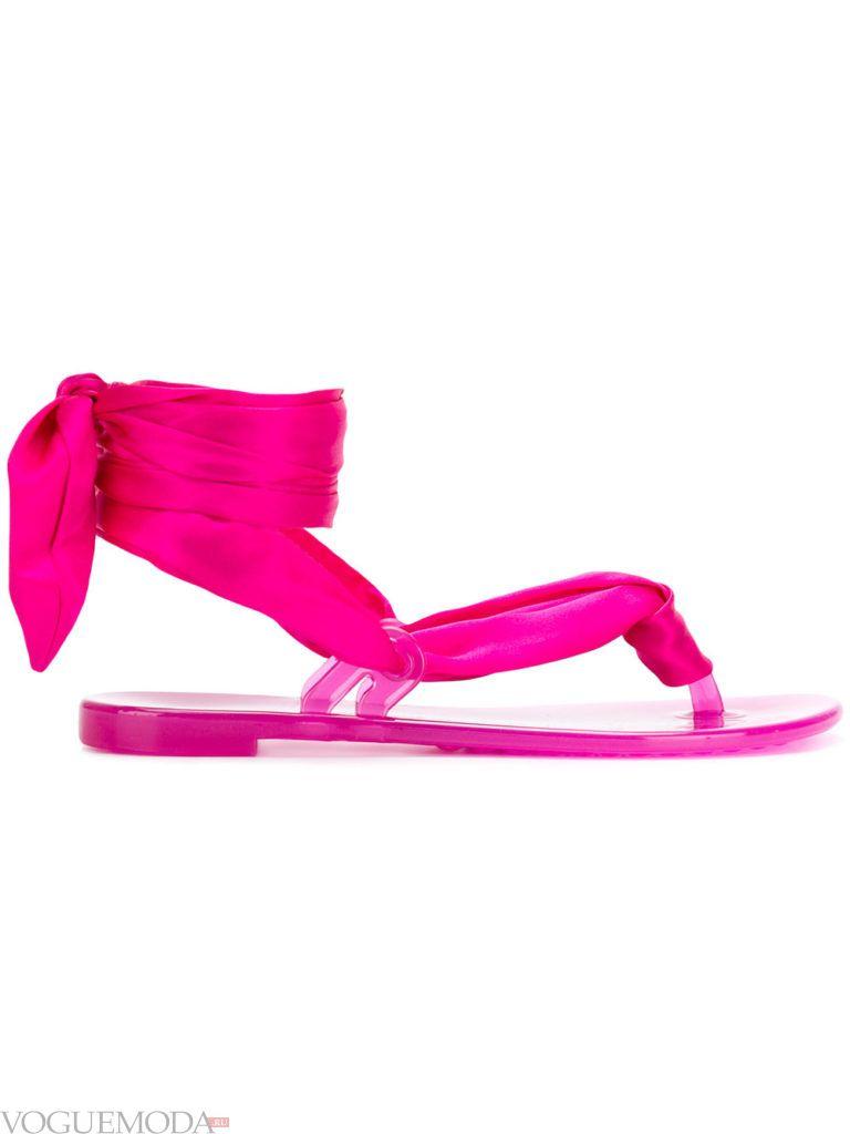 розовые сандалии на завязках