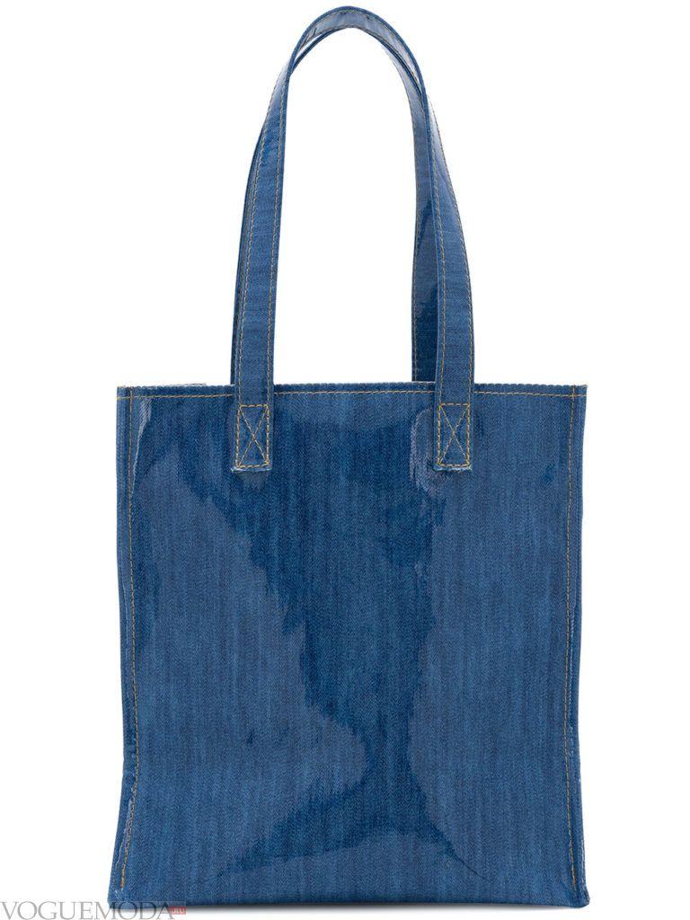синяя джинсовая сумка с ручками