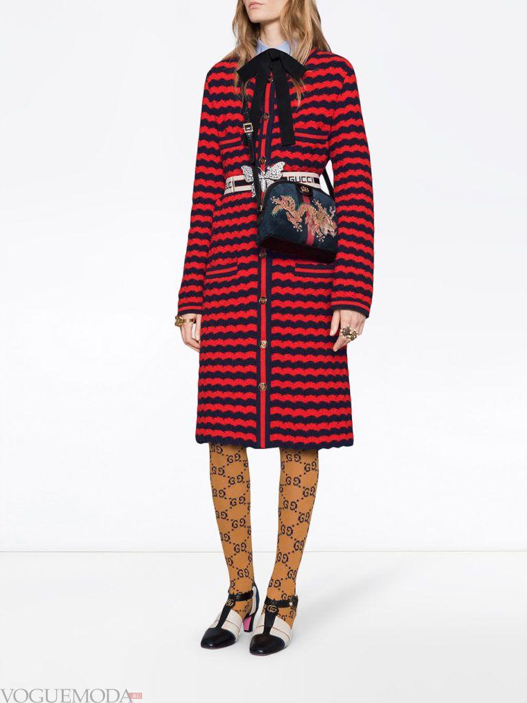 бордовое пальто в черную полоску