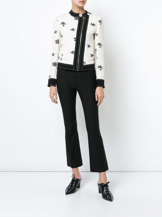 белая короткая весенняя куртка с принтом