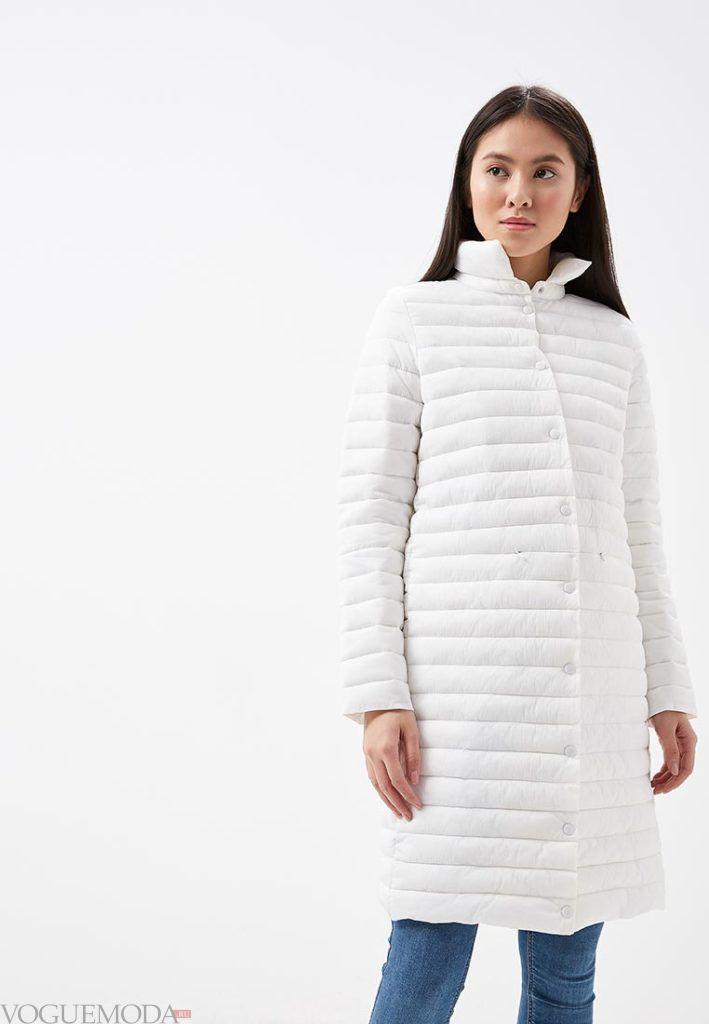 белое пальто на синтепоне весна