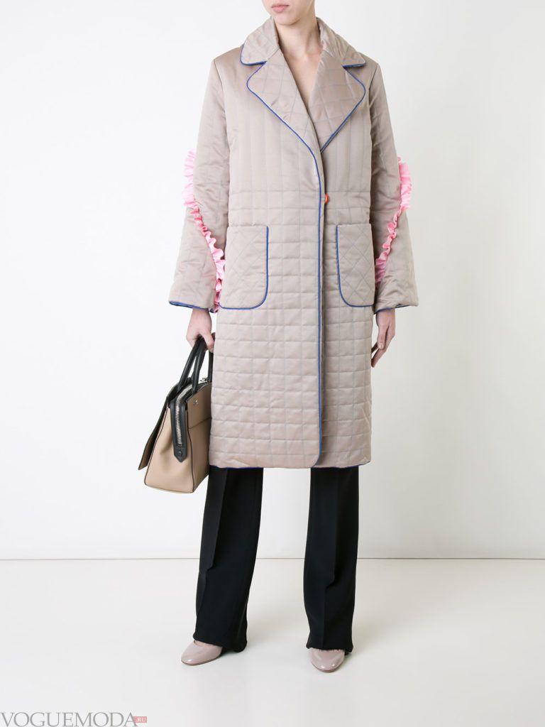 нюдовое стеганое пальто с накладными карманами весна