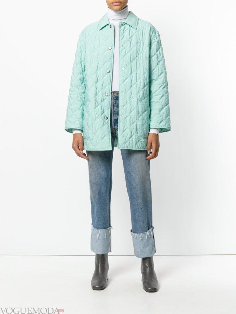 голубое стеганое пальто до колена весна