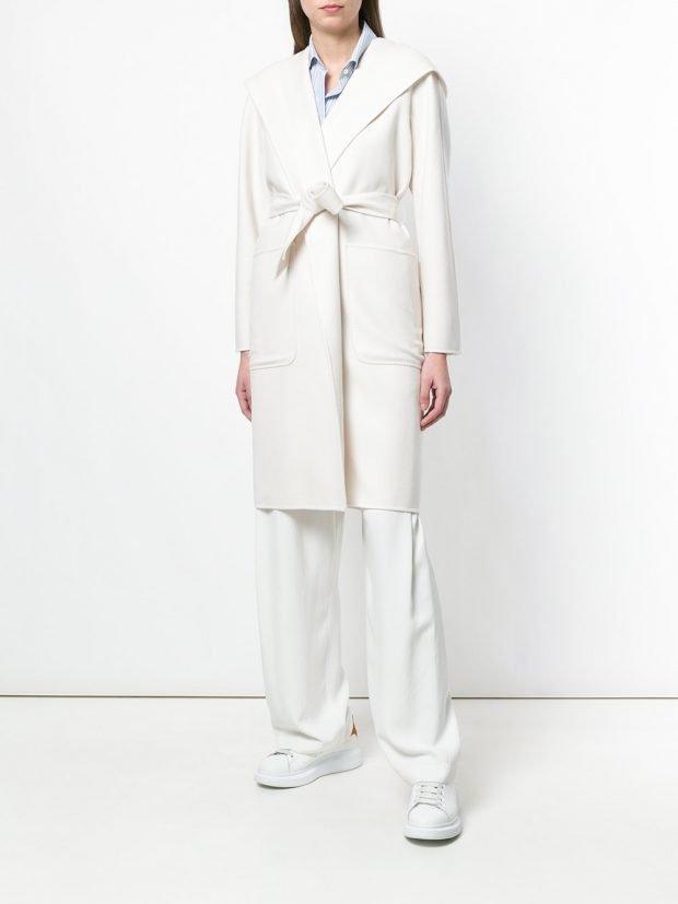 весеннее белое пальто с поясом