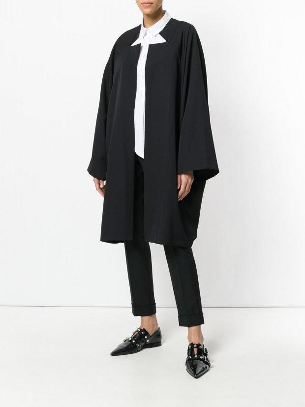 черное весеннее пальто кейп