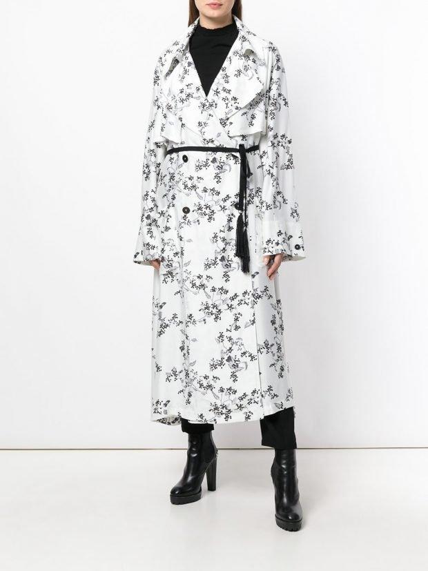 белое пальто миди с принтом