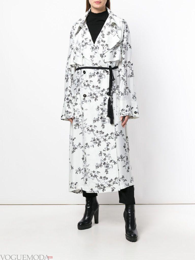 белое пальто миди с принтом весна