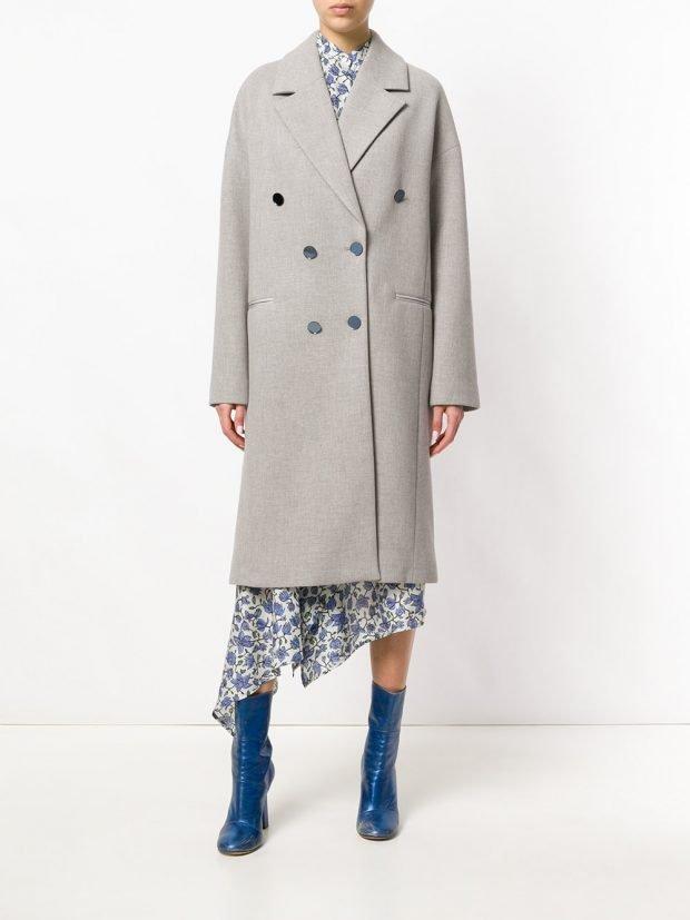 серое двубортное пальто весна