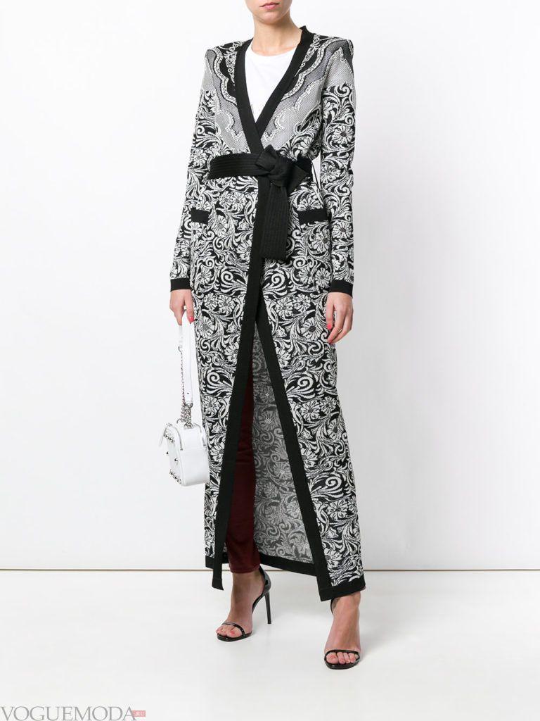 длинный кардиган-пальто с поясом и принтом
