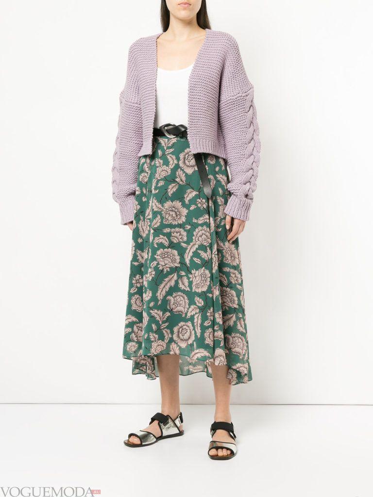 летний лиловый кардиган оверсайз и юбка с принтом
