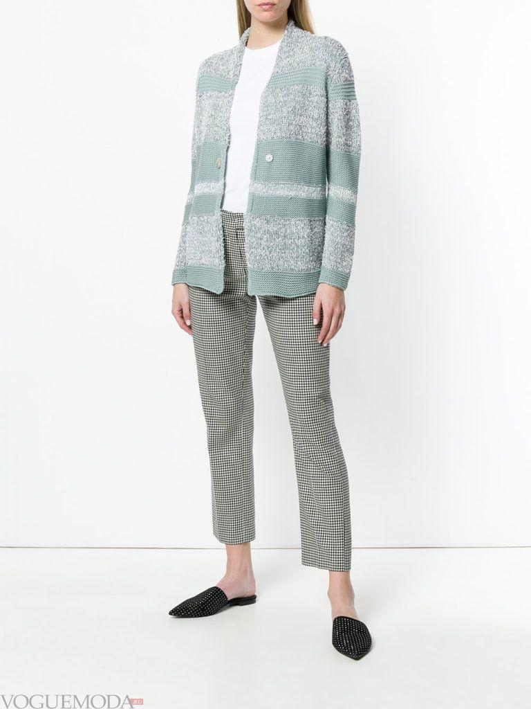 мятный осенний кардиган с полосками и брюки с принтом