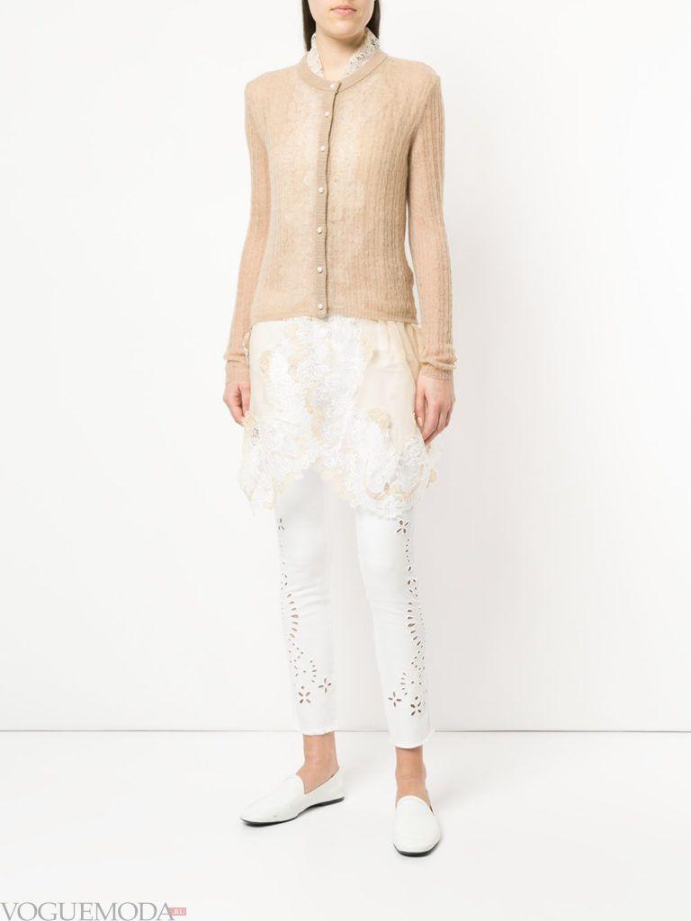 весенний бежевый прозрачный кардиган с кружевом и брюки
