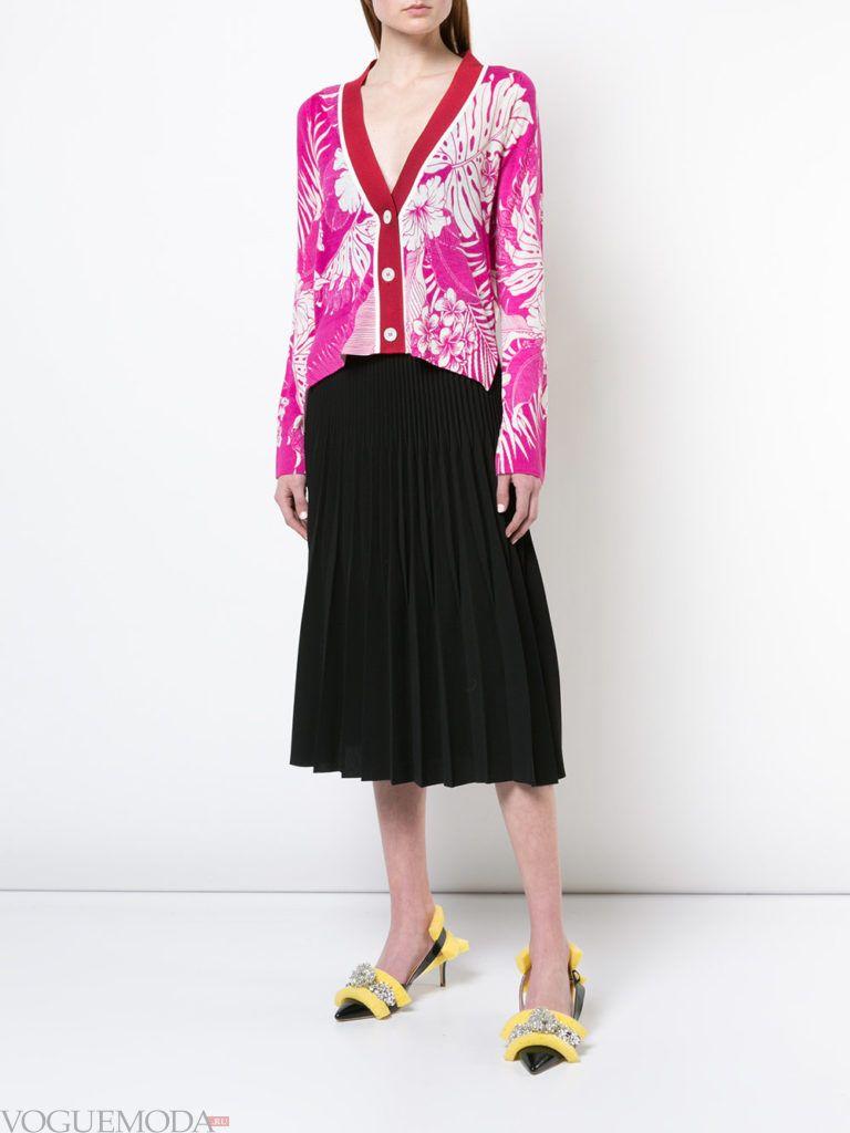 весенний кардиган с принтом и юбка плиссе