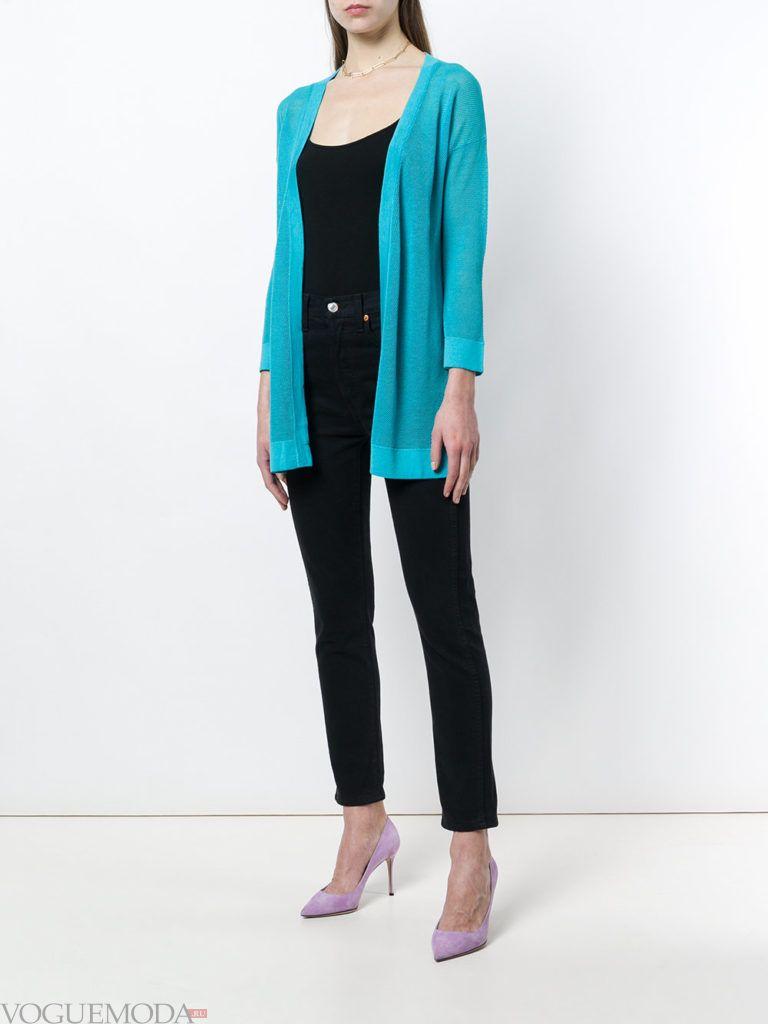 весенний голубой удлиненный кардиган и черные брюки