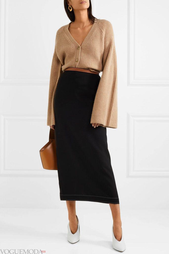 вязаный коричневый кардиган с рукавами клеш и юбка макси
