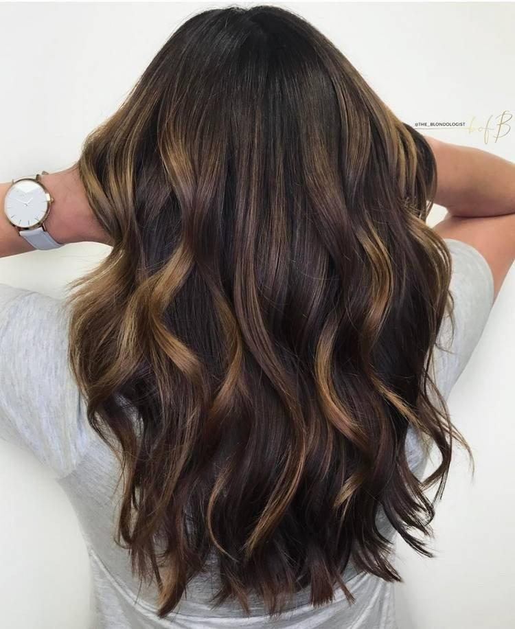 натуральный балаяж на темные длинные волосы