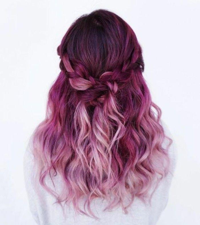 яркий розовый балаяж на темные волосы