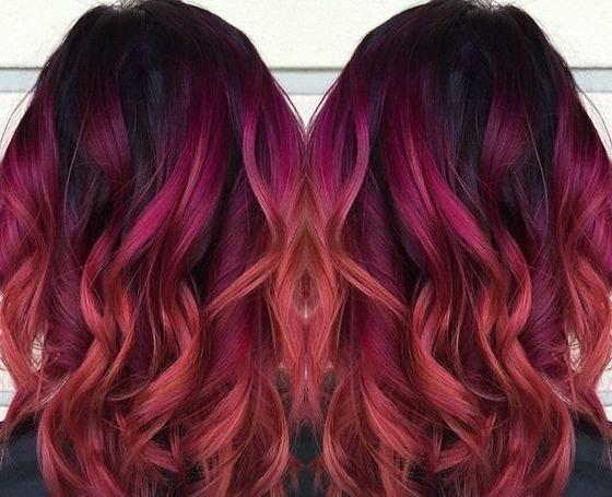 интересный розовый балаяж на темные волосы