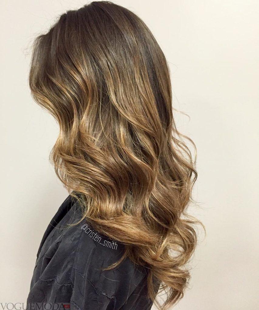 карамельный модный балаяж на темные волосы