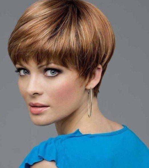 женская стрижка «Гарсон» для рыжих волос