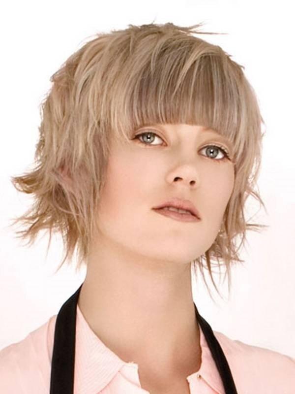 женская стрижка «с рваными прядями» для светлых волос