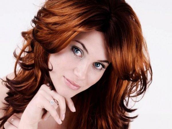 женская стрижка «Аврора» для рыжих волос