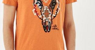 мужская оранжевая футболка с рисунком