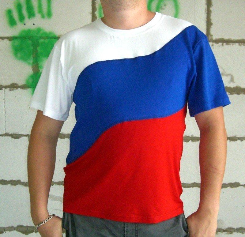 футболка с цветами флага России