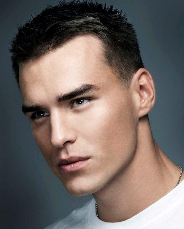 мужская стрижка «Милитари» для брюнетов