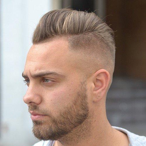 мужская стрижка «С выбритыми висками» для светлых волос