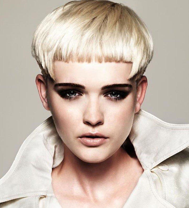 стрижка «Шапочка» блонд
