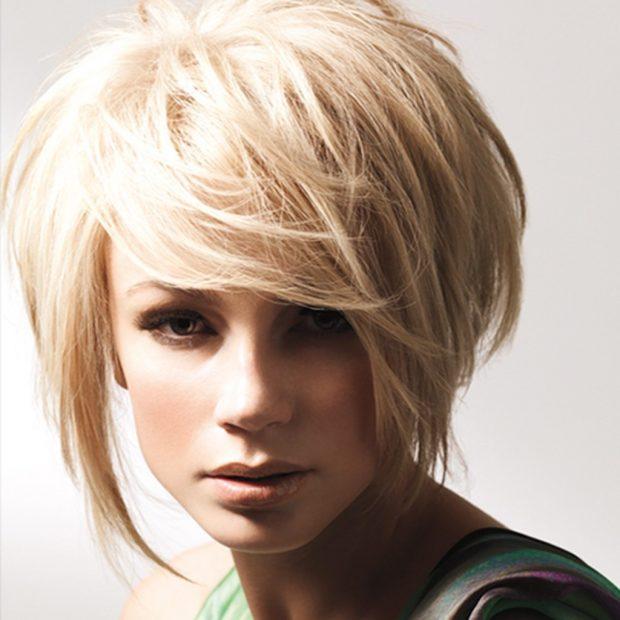 стрижка Боб-каре цвета блонд