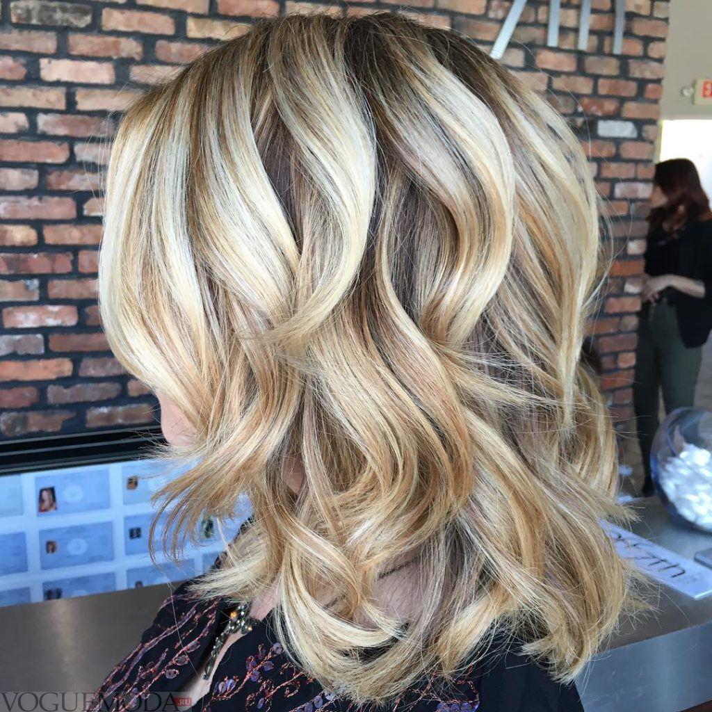 стрижка Каскад цвета блонд