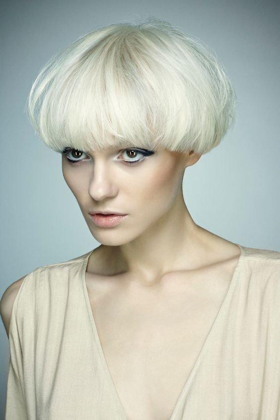 стрижка «Паж» для блондинок